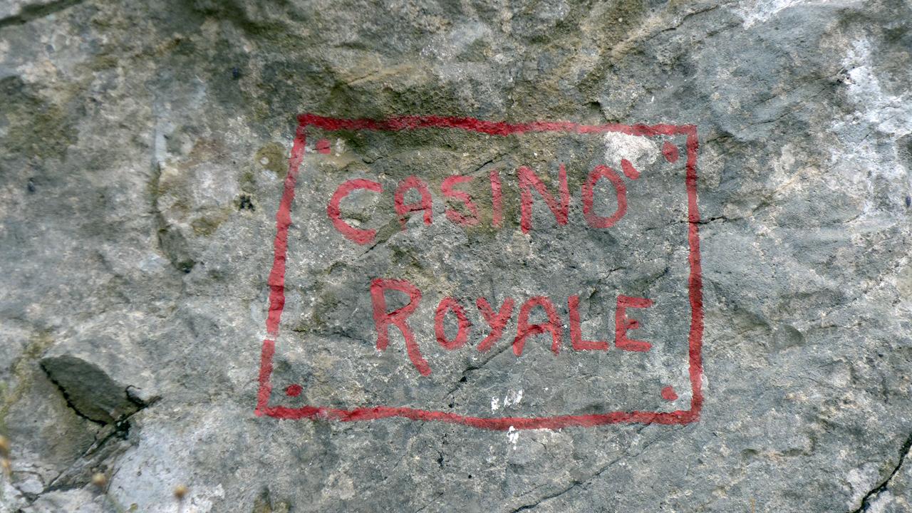 "Cima alle Coste, ""Casino Royal"" (450m, 6b+/ 6b obl.)"